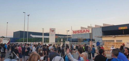 CGT se moviliza contra el cierre de Nissan